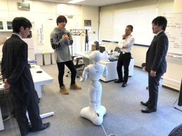 ソフトウェア情報学部の学生が株式会社グローバルワイズを訪問しました