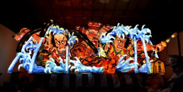 青森山田学園が令和最初の青森ねぶたの「台上げ」「安全祈願祭」「点灯式」を行いました