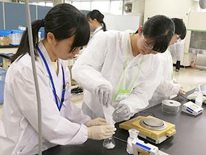 秋田県大館市の「薬剤師体験セミナー」開催
